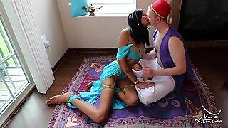 Whorish desi drottning jasmin sugning aladdin på magiska mattan