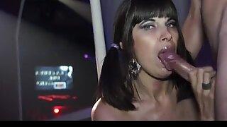 Storbröstad Latin Stepmom i Wild Fuck Party