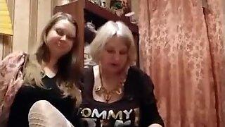 Verklig mamma och dotter prostituerade lag från Ryssland