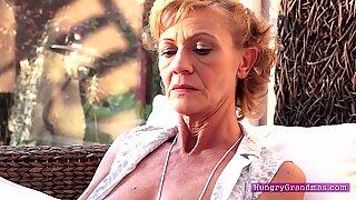 Mormor s Hårig Fitta får en knull