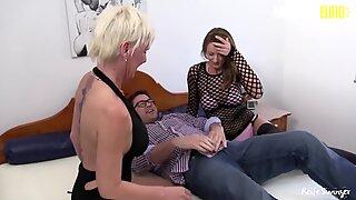 Reifeswinger - Kåt Tysk Mogen amatörer FRÄCK FFM Threeway Sex session - Amateureuro