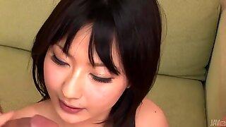 JAPANSK med sexiga scones förvånar med gruppugning