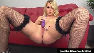 Finger jävla drottning Natalia Starr fyller sin saftig våt muff