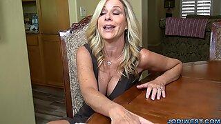 Jodi West wank styvson för att hjälpa till med sonder!