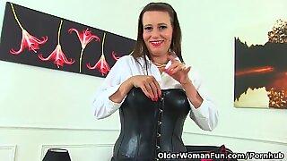 Euro england cougar annabelle more sätter sina frigs på jobbet