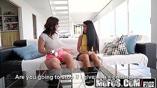 Mofos - tjejer gone pink - Apolonia Lapiedra Claudia Bavel -