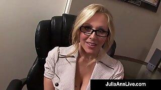 Prisbelönt MILF Julia Ann blir säd i ögat på jobbet!