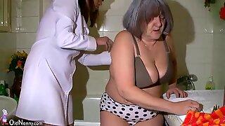 Hot Sköterska Dusch BBW Mormor före kön med hennes make