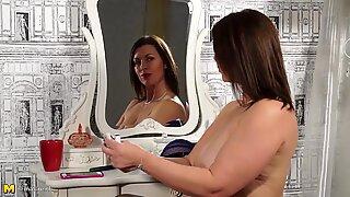 Vacker Mogen Mamma med Stora Pattar och Hot Body
