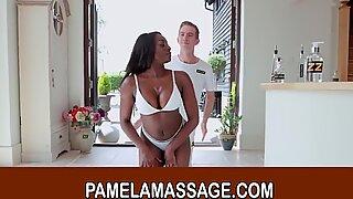 Ebony Porrstjärna Jai James har varm thailändsk massage och knullar