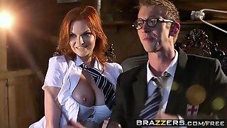Hot Porn Parodi Hårig Punter och hans enorma Ståkuk A Porr Parodi - (Tarra White, Danny D) - Brazzers