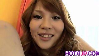 Erika Kurisu suger stark kuk om och om igen