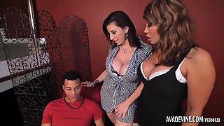 Pornstarplatinum - Ava Devine och Sarah Jay med sonens vän
