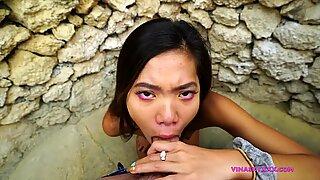 Offentlig smutsig oralt nöje i utväg badrum