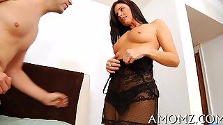 Sexy mom gets pleasure of cock