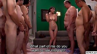 JAV MILF KAHO KASUMI Striptease för grupp av män undertext