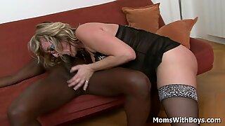 Blond Mormor Aja Fucks Massive Svart Schlong