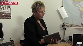 Letsdoeit - Tysk mormor knullade hårt av sin son