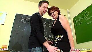 Student knullar hans mycket äldre Lärare