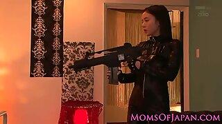 Storbröstad Costumed Asiatisk Mamma i Kattdräkt Facialized