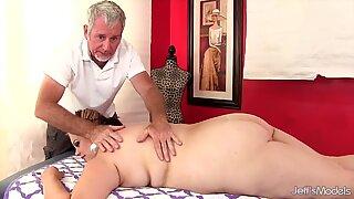 Bbw Buxom Bella får en sexmassage