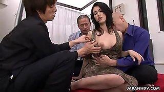Japansk slampa Maria Ozawa älskar Gruppsex