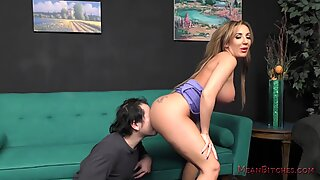 Richelle Ryan enormous bootie AssWorship
