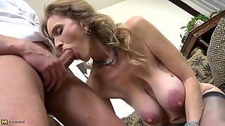 Hot Mogen Sex med Smutsig Mamma och Son