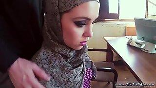 Fet Arabisk pappa Hon har ett Ultra-Sötbod men hon BLYG.